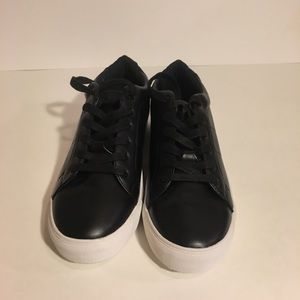 28716616a33 Steve Madden Shoes - NWOT Steve Madden Women s Smiley Fashion Sneakers